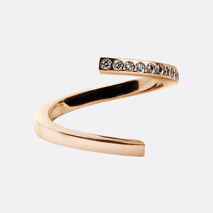 Twist Ring In 18k Rose Gold With Diamonds