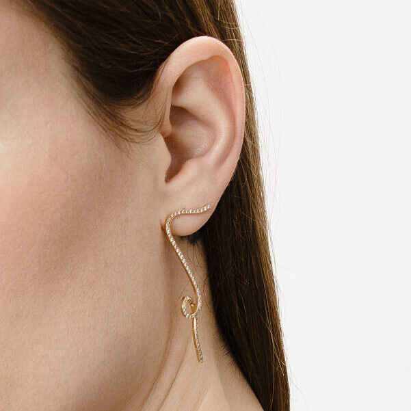 Drop Earring with Diamonds - Motion Collection